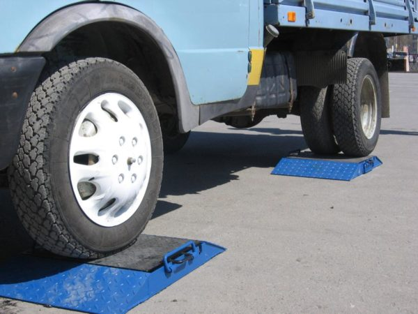 Штраф за перегруз грузового автомобиля: законы в 2020 годах, наказание, как проверить и оплатить